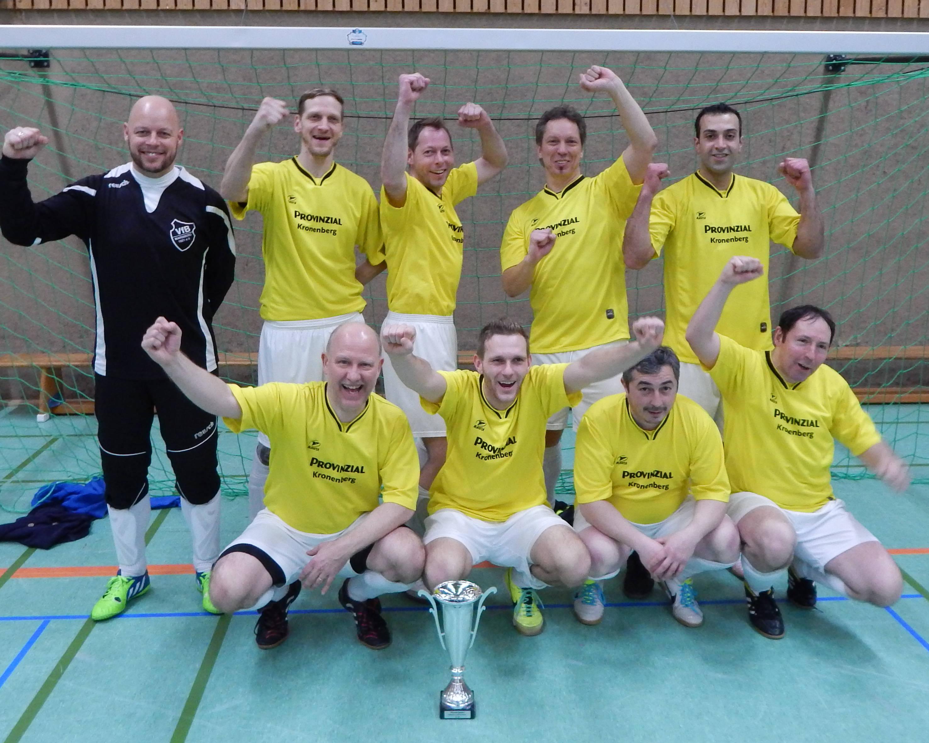 VfB Marsberg Ü32 verteidigt Hallenkreispokal 2016