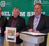 DFB-Ehrenamtspreisträger Paul Hochstein in Hamburg